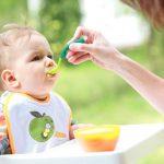 6 sai lầm về việc cho trẻ ăn dặm cần tránh