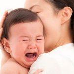 50 kinh nghiệm dỗ bé nín khóc của các mẹ